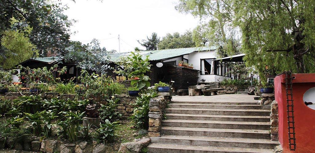 https://www.lacolinahotelcottage.com/wp-content/uploads/2017/02/38-LA-COLINA-Hotel-Cottage-Bogota-Campestre.jpg