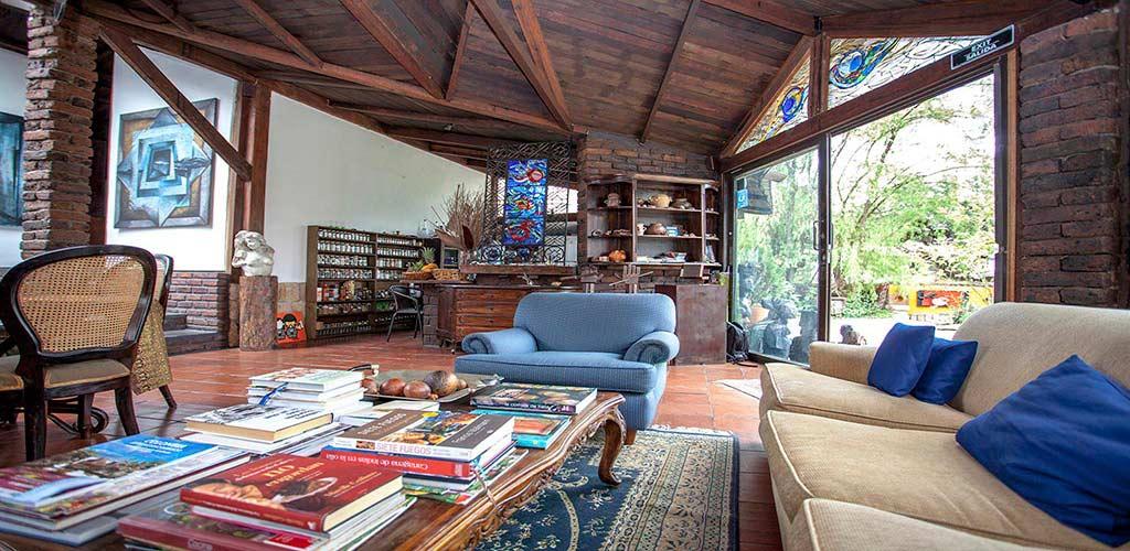 https://www.lacolinahotelcottage.com/wp-content/uploads/2017/02/45-LA-COLINA-Hotel-Cottage-Bogota-Campestre.jpg