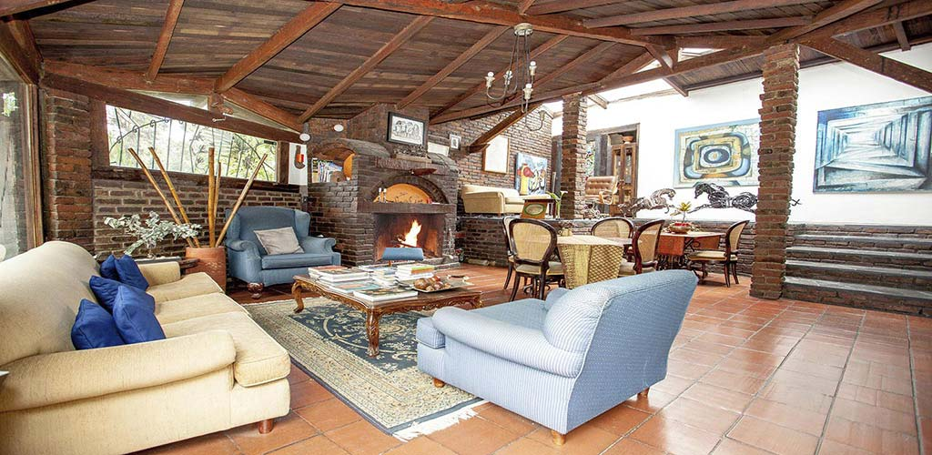 https://www.lacolinahotelcottage.com/wp-content/uploads/2017/02/51-LA-COLINA-Hotel-Cottage-Bogota-Campestre.jpg
